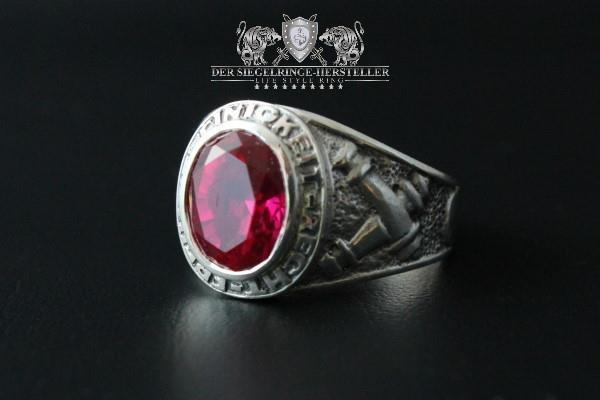 """F207"" Frigate Bremen Coat Navy Signet Ring size 61 ruby red"