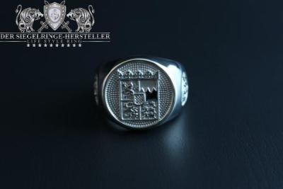"""F217"" Frigate Bayern (Bavaria) Coat Navy Signet Ring Size 63"