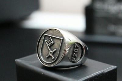 """F207"" Frigate Bremen Coat Navy Signet Ring Size 69"