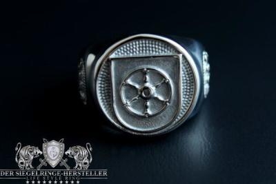 """""""F262"""" Corvette Erfurt Coat Navy Signet Ring"""