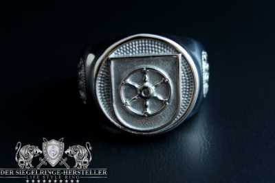 """F262"" Corvette Erfurt Coat Navy Signet Ring"
